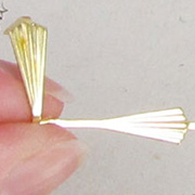 33mm Gold Spear Crystal Connectors
